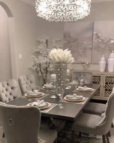 Dining Room Table Decor, Elegant Dining Room, Luxury Dining Room, Dining Room Design, Dinning Room Ideas, Grey Dining Room Chairs, Formal Dinning Room, Classic Dining Room, Beautiful Dining Rooms
