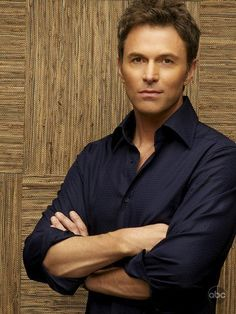 Tim Daly as Dr. Pete Wilder on Private Practice. Private Practice, Grey's Anatomy, Gorgeous Men, Beautiful People, Hello Gorgeous, Beautiful Boys, Pretty People, Madam Secretary, Famous Faces