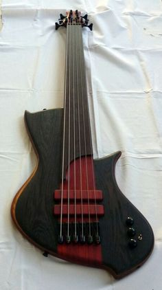 Prometeus Guitars fretless 6 stringer.
