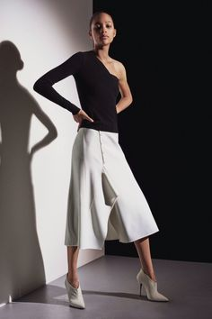 Narciso Rodriguez #VogueRussia #prefall #fallwinter2018 #NarcisoRodriguez #VogueCollections