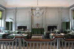 Decorate: Room Decor Ideas for the Colonial Home - Interior Design Styles Independence Hall Philadelphia, Interior Design Tips, School Design, Home Renovation, Colonial, United States, 50 States, Home And Garden, Room Decor