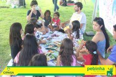 """O negócio social Acupuntura Urbana, empreendido pela gsa 2009 Renata Strengerowski, foi o responsável pela programação, layout e identidade visual e a articulação com parceiros locais #PreparaPebas - Virada Sustentável Alvorá"""" além de coordenar a tenda de sustentabilidade com oficinas de pintura com as crianças, horta em vaso de garrafa PET e carteiras feitas de tetrapack. A gsa 2014 Inês Fernandes também faz parte da equipe."""