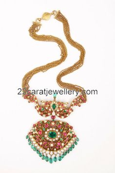 Latest Collection of best Indian Jewellery Designs. Gold Jewellery Design, Bead Jewellery, Temple Jewellery, Stone Jewelry, Beaded Jewelry, Trendy Jewelry, Simple Jewelry, Fashion Jewelry, Emerald Jewelry