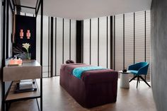 JW Marriott Hotel Singapore South Beach Spa by JW - Treatment Room South Beach Singapore, Villas, Massage Therapy Rooms, Spa Treatment Room, South Beach Hotels, Luxury Spa, Luxury Hotels, Beauty Salon Decor, Spa Design