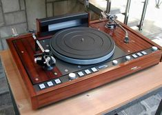 Platine Vinyle Thorens, High End Turntables, Vinyl Record Collection, Hi Fi System, Televisions, Hifi Audio, Record Player, Home Studio, Audio Equipment