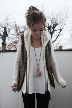 While I'm not a fan of winter, I wouldn't mind a cold day if I could wear this outfit :)