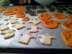 USASillyYaks: Gluten Free Sugar Cookies.....Halloweenie Style