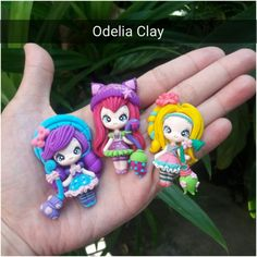 2d doll clay LITTLE CHARMER. Back flat, good for bow and necklace.