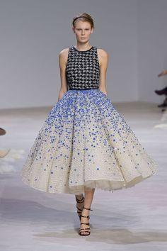 Giambattista Valli Spring 2016 Couture [Photo: Giovanni Giannoni]