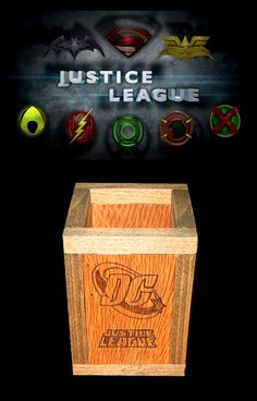Portalápices DC Cómics: Justice League Movies, Movie Posters, Geek Crafts, Drawers, Hand Made, Films, Film Poster, Cinema, Movie