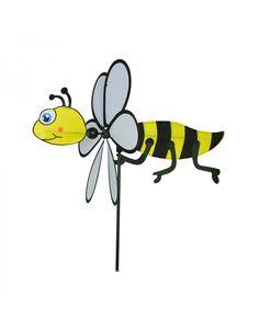Le Printemps est là et cette jolie abeille prendra sans problème place dans vos jardins ou votre balcon!! Cette jolie girouette à planter enchantera les petits et les grands par sa jolie couleur. Sa petite tête rigolote laissera le vent glissé sur ses ailes qui tourneront à souhait. En polyester, ce joli moulin à vent appréciera de rester à l'extérieur pour votre plus grand plaisir! Pour retrouver la girouette abeille sans risquer d'être piqué, c'est ici : https://lechoppe-du-vent.com/
