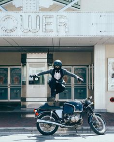 The Suited Racer #motorcycles #caferacer #motos   caferacerpasion.com