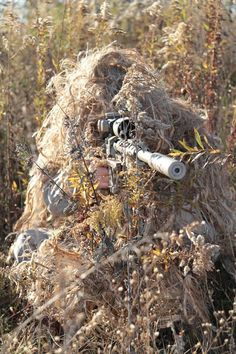 Need to cover that rifle otherwise not bad Sniper Gear, Airsoft Sniper, Ghillie Suit, Military Special Forces, Special Ops, Cool Guns, Military Weapons, Modern Warfare, Armed Forces
