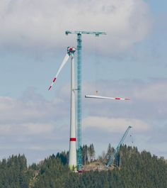 Liebherr 1000 EC-B 125 Litronic tower crane used for the first time to erect a wind turbine with a hub height of 149 m