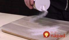 Prinášame vám ďalší skvelý domáci recept ako odstrániť pripálené zvyšky zo žehličky avrátiť jej povrchu lesk a hladkosť rovnako, ako keď bola celkom nová. Inšpirujte sa týmto jednoduchým návodom súžasným výsledkom!  Potrebujeme:  Soľ    Voskový papier, prípadne časopis z