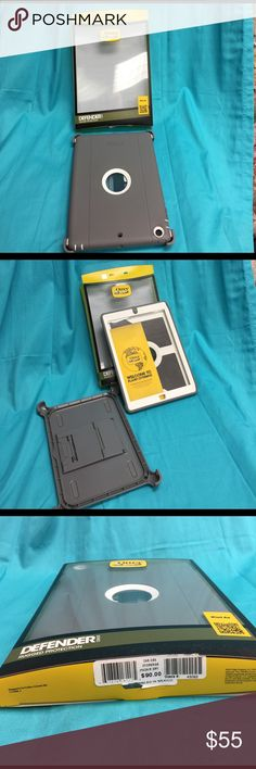 Defender Series Otterbox IPad Air Cover Grey and white Otterbox Defender Series IPad Air Cover, Never Used, Removed from box to photo OtterBox Accessories Tablet Cases
