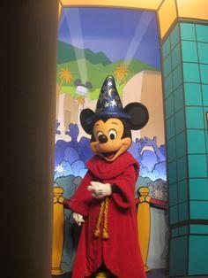 Disney's Hollywood Studios Sorcerer Mickey