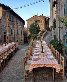 This setup just looks so good. Peace going to some village in Tuscany and live my best life. Places To Travel, Places To Go, Travel Destinations, Travel Aesthetic, Summer Nights, Dream Vacations, Adventure Travel, Travel Inspiration, Life Is Good