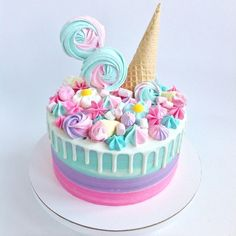 58 Ideas For Cupcakes Fondant Ideas Sweets Fondant Cupcakes, Baking Cupcakes, Cupcake Cakes, Cute Desserts, Delicious Desserts, Ice Cream Party, Drip Cakes, Tea Cakes, Pretty Cakes
