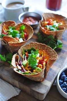 Breakfast Cups - Would be great to make for brunch when friends stay over. Breakfast Desayunos, Breakfast Dishes, Healthy Breakfast Recipes, Brunch Recipes, Healthy Recipes, Breakfast Tortilla, Mexican Breakfast, Healthy Eating, Healthy Food