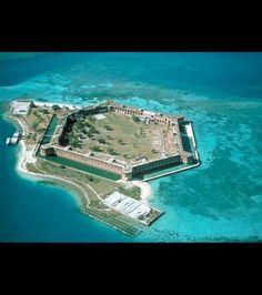 Fort Jefferson situé au cœur des îles de Dry Tortugas dans l'archipel des Keys, en Floride