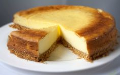 7 delicious cake recipes new york cheesecake Cheesecake Recipes, Dessert Recipes, Oreo Cheesecake, Strawberry Cheesecake, Chocolate Cheesecake, Pumpkin Cheesecake, New York Style Cheesecake, Ober Und Unterhitze, Food Cakes