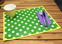 Tischset Platzset    Dieses schicke knallbunte Tischset macht jede Mahlzeit zum Hingucker, zum Festmahl. Damit auch kleine und grosse Kleckerschnut...