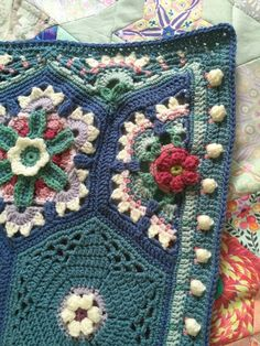 Frida's Flowers Blanket