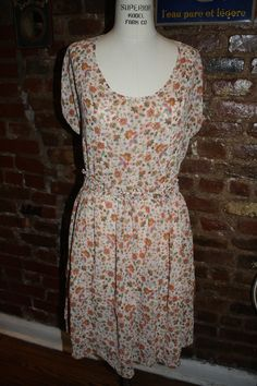 """Floral dress from Derek Lamb eBay Collection ($45). Size Small.     For more information or to purchase, e-mail thriftshare@gmail.com with the subject line """"Floral Dress by Derek Lamb + eBay"""""""