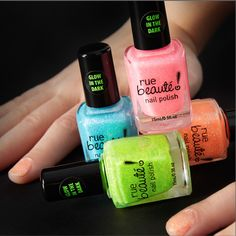 No tricks about it! This glow in the dark nail polish will perfect your Halloween look! #ManiMonday #rue21
