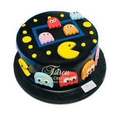 Bolo Pac Man, Pac Man Cake, 80s Birthday Parties, 4th Birthday Cakes, Festa Do Pac Man, Bolo Super Man, Pac Man Party, Starbucks Birthday, Cupcakes For Boys