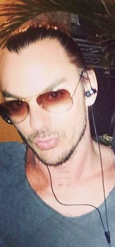 Acceptable duck face - Shannon Leto