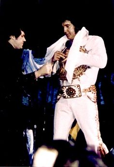 Elvis live in Chicago in may 2 1977.
