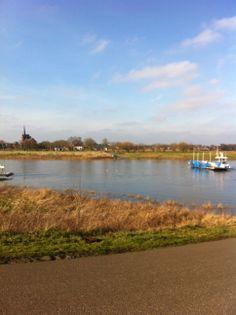 Dag 22: en weer over de maas, Gruttenvorst tot ziens, 8 km voor Venlo.