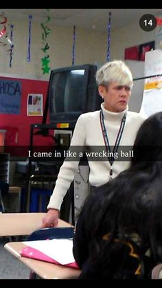 This Snapchat of the coolest teacher EVER. | 24 Snapchats That Are Way More Clever Than You
