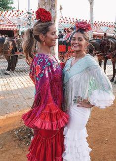 maria-pombo-feria Cristina Reyes, Spain, Boyfriend, Ruffle Blouse, Lady, Dresses, Fashion, Pigeon, Tight Black Skirts