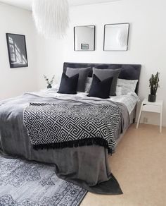 Couples Apartment, Small Apartment Bedrooms, Apartment Bedroom Decor, Home Bedroom, Bedroom Furniture, Bedroom Rugs, Small Apartments, Apartment Decorating For Couples, Urban Furniture