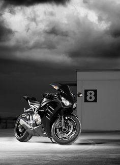 Honda CBR1000 Fireblade - Hot ride!