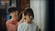 This is so cute. Drama- W: Two Worlds W Two Worlds, Lee Jong Suk, Second World, Korean Drama, Kdrama, Couple Photos, Couples, Couple Shots, Drama Korea