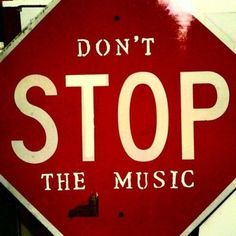Don't stop the music! Pallet sign for music room