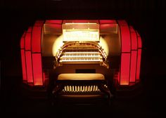 Musical Museum - a wonderful collection of automated musical instruments, from tiny music boxes to The Mighty Wurlitzer. Located in Brentford, near Kew Bridge. Spring Bank Holiday, Travel Music, Classical Music, Jukebox, Musicals, Museum, Musical Instruments, Bridge, Destinations