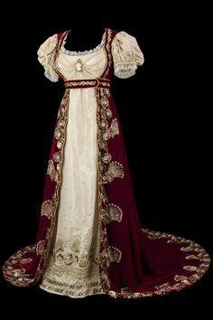 Empire costume from La Comedie-Francaise via Telerama