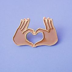 *** EDITION LIMITEE ***  Lécusson LOVE est épuisé mais le pins est enfin disponible!!  Pins petites mains en coeur Amour. Réalisés en édition