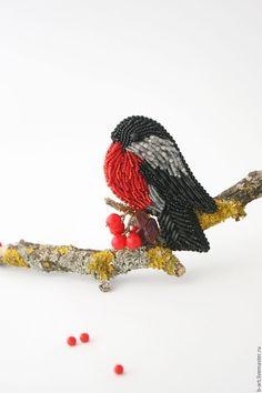 """Купить Брошь из бисера """"Снегирь"""" - черный, брошь из бисера, брошь птица, брошь птичка"""