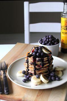 blueberry banana pancake