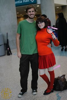 Hallowen Costume Couples Here are some Halloween costume ideas for couples that won't take a ridiculous amount of time or expense to put together. Costume Halloween, Funny Couple Halloween Costumes, Family Halloween, Funny Halloween Costumes, Cool Costumes, Couple Costume Ideas, Group Costumes, Couples Halloween Costumes For Adults, Scooby Doo Costumes