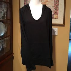 Victoria Secret Long Sleeve Black Hooded Top S/P This is a very cute & super comfy long sleeve hooded shirt from Victoria Secret in a size S/P.  It is black & has 2 side pockets at the waist.  It looks great with leggings or jeans & is made of a cotton & polyester blend.  Purchased last winter, it was worn only a few times & washed once.  It is in very good condition. Victoria's Secret Tops Sweatshirts & Hoodies