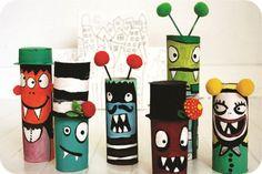 monstros feitos com rolo de papel higiênico vazio