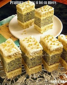 """Mac and sheet cake with honey"" Romanian Desserts, Russian Desserts, Romanian Food, Romanian Recipes, Sweet Recipes, Cake Recipes, Dessert Recipes, Layered Desserts, Pastry Cake"