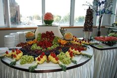 Discover thousands of images about Fruit Buffets - Fruit Buffet Edible Fruit Fruit Tables, Fruit Buffet, Party Platters, Fruit Platters, Buffet Set Up, Buffet Tables, Fresco, Edible Fruit Arrangements, Frozen Yogurt Bar